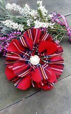Rojo escocés tartán Royal Stewart Tela Flor Broche Corsage Hecho en Escocia