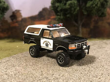 1995 Ford Bronco Lifted 4x4 Custom 1/64 Diecast 4WD Truck Police CHP Off Road