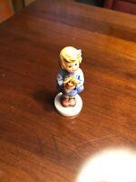 Cute! Goebel Hummel Figurine # 239 A *Girl with Nosegay*