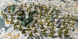 Large Bundle Of Green Army Men - Toy Soldiers And Accessories