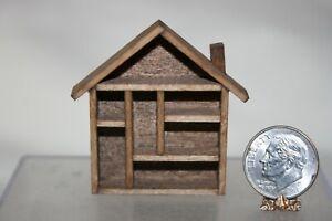 Minaiture Dollhouse Vintage Wood House Shaped Shadowbox Display Shelf 1:12 1:24
