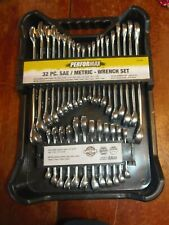 PERFORMAX 32 PC SAE/METRIC WRENCH SET  AND STUBBY SET WITH CARRIER (PO-92)