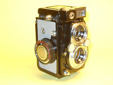 Yashica 44 LM - vintage 4x4cm TLR perfectly working - a black beauty!