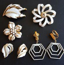 ALL Signed CROWN TRIFARI Brooch Pin & Earrings Lot White Enamel Flower Leaf NN37