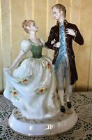 ROYAL DOULTON FIGURE YOUNG LOVE MODEL No. HN 2735 LOVERS  LARGE  PERFECT