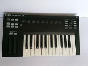 Native Instruments Komplete Kontrol S25 MIDI Controller Keyboard