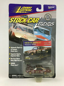 Johnny Lightning 1967 David Pearson #17 Holman & Moody Stock Car Legends Diecast