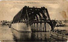 CPA  Dock flottant pour le relevage des sous-marins,construit aux ... (222299)