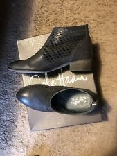 Seychelles Waypoint Black Leather Ankle Boot 8.5 9
