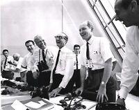 WERNHER VON BRAUN & OFFICIALS AFTER APOLLO 11 LAUNCH - 8X10 NASA PHOTO (EP-392)