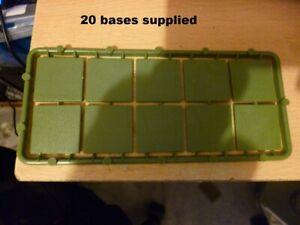 20 plastic square  bases 25mm x 25mm new