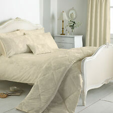 Cotton Rich Jacquard Damask Superking Bed Size Duvet Cover Set in Ivory