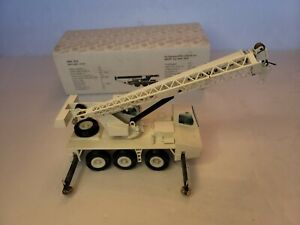 NZG Krupp Telescopic Crane White KMK3035 Germany 1:50 Scale