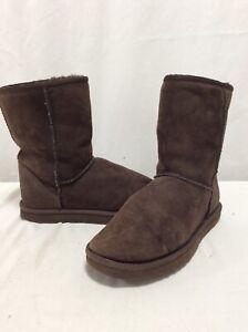 UGG Australia Women's Boots Size 7 Classic Short..Brown .UGB75