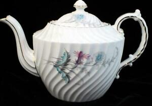 Aynsley WAYSIDE (SWIRLED) Teapot Holds 4 Cups Bone China 8180 GREAT CONDITION