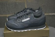 Men Reebok CL Leather MU Classic Stealth Gray Banana White 8.5 or 9 or 10.5