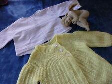 béb bella ,raynal oucollin  celluloid ,2piéces  chemise et brassiére laine jaun