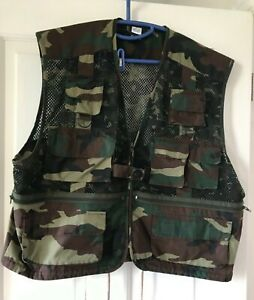 Men's Camouflage Fishing Vest/Waistcoat Multi Pocket Mesh Sleeveless, Size XL