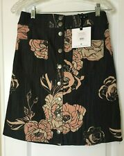 acc87fd0a6932 Agnes And Dora Snap Front Skirt Wild Rose Floral Small NWT