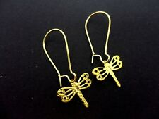 A PAIR OF DRAGONFLY EARRINGS ON GOLD COLOUR KIDNEY EAR WIRES. NEW.