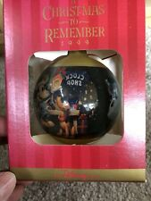 """Disney Holiday """"A Christmas to Remember"""" Ornament 1999"""