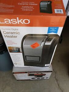 Lasko Cyclonic Digital Ceramic Heater Adjustable Thermostat 1500 Watts CC24849
