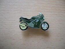 Pin Anstecker Triumph 1200 Throphy 4 Modell 1993 racinggrün / grün Art. 0295