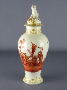 Pot de Forme Oriental Avec Peinture Et Statue Chien Foo Porcelaine Xx Seconde