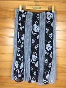 W.Lane Black & Grey Floral A Line Skirt Size 12 (8) EUC