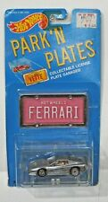HOT WHEELS PARK 'N PLATES FERRARI ON CARD PINK PLATE