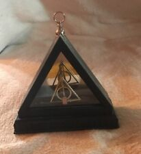 Harry Potter deathly hallows necklace w/stand noble collection NM