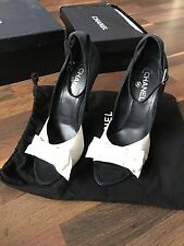 Authentic CHANEL Satin Black and White shoes. Shoes 40.5C