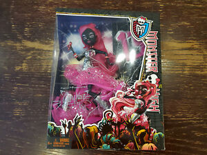 2013 Monster High Catty Noir Black Cat Doll 13 Wishes. Retired. New in box
