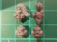 Warhammer 40K - 4 Space Wolves Helmetted Heads - 40k bits
