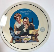"""Norman Rockwell """"Gentle Reassurance"""" Mothers Day (1992) Vintage Plate."""