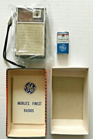 NEAR MINT/UNUSED! VINTAGE 1960's General Electric ALL TRANSISTOR Radio P1759