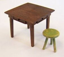 PlusModel Table and Seat Tisch und Stuhl Diorama 1:35 Art. EL048 Bausatz Kit