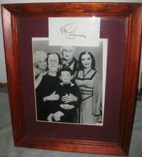 The Munsters TV Show Group Picture of Cast with TV Celebrity Signature