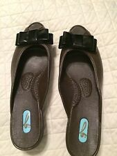 OKABASHI OKA B SLIP ON SANDALS BROWN SIZE SMALL WOMEN'S SHOES Reduced