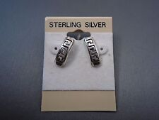 NEW STERLING SILVER CURVED G-PATTERN EARRING #AC558