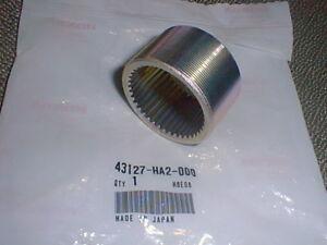 HONDA OEM Threaded Axle Collar #43127-HA2-000 NEW TRX400EX ATC350X TRX450R 250X
