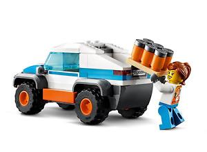 Lego City: Soda Truck & Driver split from Skate Park 60290. New.