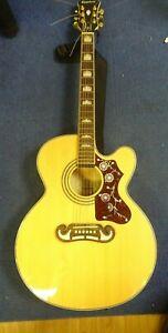 Epiphone EJ200SCE Vintage Natural accustic guitar