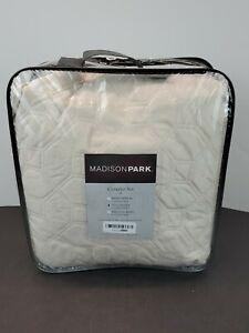 Madison Park Full/Queen Faux Velvet Reversible 3 Piece Coverlet Set MP13-3301