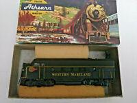 HO scale Athearn F7A Wetsren Maryland Diesel Locomotive Custom paint  RARE