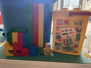 LEGO 7975 Large Duplo Bucket. 106 Pieces