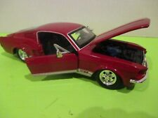 1967 FORD MUSTANG GT MAISTO 1/24TH SCALE LIGHT RED/BLACK NICE DETAIL NEW MINT