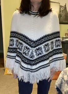 Factoria Perez Cusco Peru 100% Alpaca Wool Aztec Print Knit Poncho Women's S