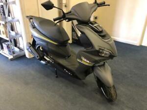 Sinnis Twist 50cc scooter moped