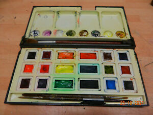 daler rowney watercolour paint box